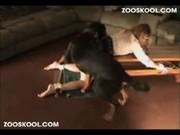 หลุดสาวเอเชีย อย่างน่ารักวัยรุ่น ให้หมาเย็ดหี อย่างเด็ด โดนผัวจับมัดกับโต๊ะ แล้วให้หมาซอยหี   หีขาวอย่างฟิต