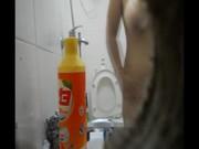 ซ่อนกล้องแอบถ่ายน้องเมียอาบน้ำ นมใหญ่ยานเชียวครับอวบกำลังน่าฟัดมากๆ