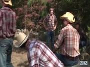 กลุ่มเกย์นัดกันซั่มรูตูด ที่ป่าทึบแห่งหนึ่งเอากันมันส์เลียควยหัวควยเปื่อยไปหมดแล้วมั้ง