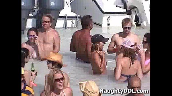 ปาร์ตี้เซ็กบนเรือ เด็ดดวงสุดๆ แม่งฝรั่งแม้งฟรีเซ็ก ถ้าเป็นบ้านเราเย็ดข้างถนนก็ผิดกฏหมาย