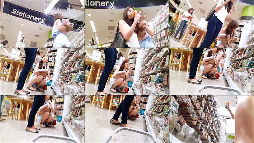 แอบถ่ายใต้กระโปรงสาวในร้านหนังสือ B2S อย่างเด็ดน้องเสื้อผ้า กางเกงในชมพู ผิวเนียนโบ๊ะมากๆ