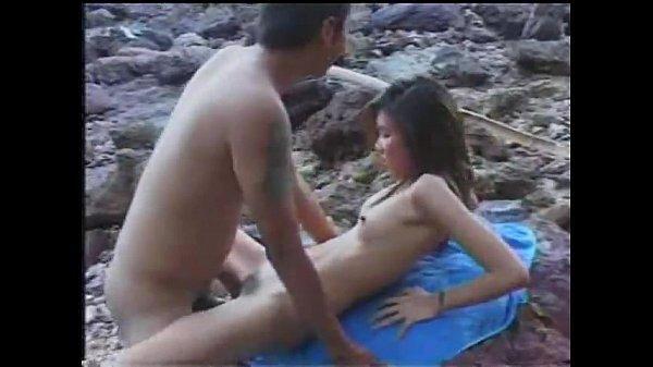 คลิบxxxไทย หนังโป๊ตัดมาให้ชม เอากันในป่า เด็ดได้เรื่องอยู่นะเนี่ย เย็ดในป่า