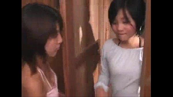 หลุดสองนักศึกษาสาว วัย 16 กับ 17 หนีออกจากบ้านมาด้วยกัน มารับเล่นหนังโป๊ พ่อแม่โล่แจ้งความตาหา เห็นลูกเล่นหนังX