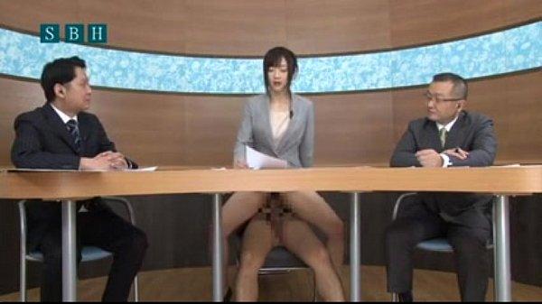 บททดสอบสัมภาษณ์ ของนักข่าวญี่ปุ่น แม่งเด็ดว่ะ อ่านข่าวให้ได้ระหว่างโดนเย็ดอยู่ เสียงนี่สั่นเลยเชียว สงสัยจะเสียวมากร่อนเอวไม่หยุด