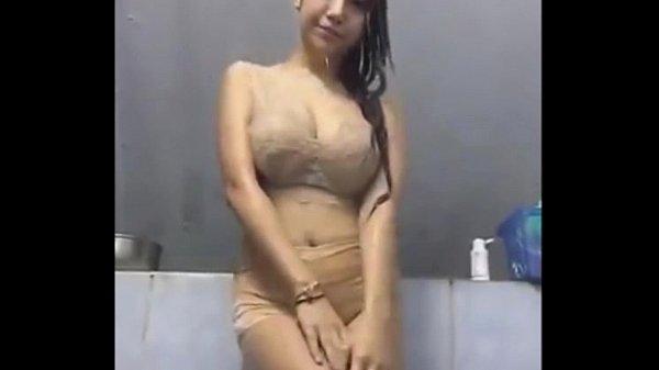 หลุดจาก Facebook ไลฟ์สดโชว์อาบน้ำ อย่างเด็ด วาป ann nalok ห้ามพลาดเด็ดจริงๆนมใหญ่โคตร หัวนมตั้งชูสู้กล้องดี