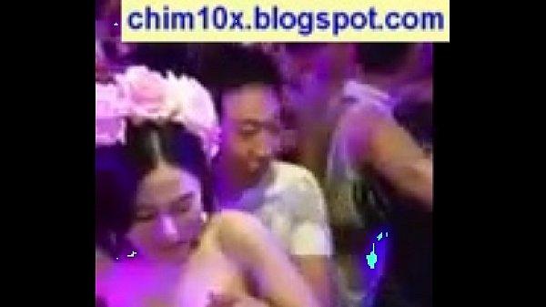 คลิปโป๊สาวสวย หารายได้พิเศษจัดรอบในปาร์ตี้ ไฮโซ ให้จับนมแลกค่าเทอม เด็ดจริงๆครับ อยางสวยเลยน่าอิจฉามากๆ