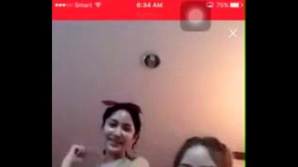 หลุดสองสาวสวย Live Facebook ครั้งแรก ก็ปล่อยของแล้วครับ เปิดมาโชว์เลย หีเต็มจอ
