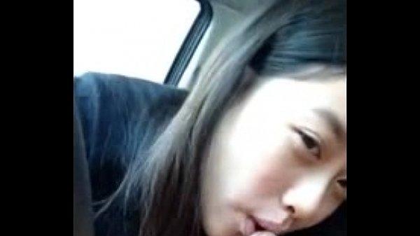 หัดโม้กควยในรถ ก่อนทีแฟนตัวเองจะอัดคลิปไว้ดูxxx โชว์เพื่อนว่ามีเด็กน้อยขอโม้กควย