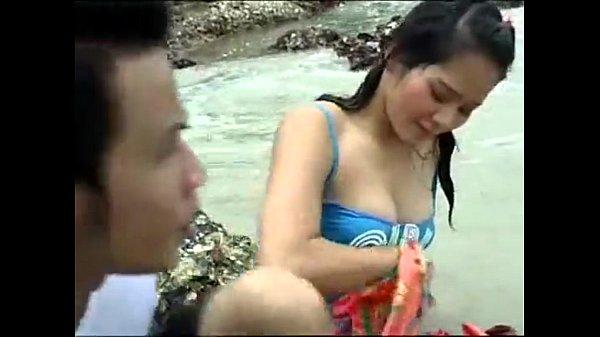 xxxพบรักกันกลางทะเล เจอลากกลับไปเย็ดที่ห้อง ตัวเล็กมาก เอวโคตรบาง หีหมอยแทบไม่มี