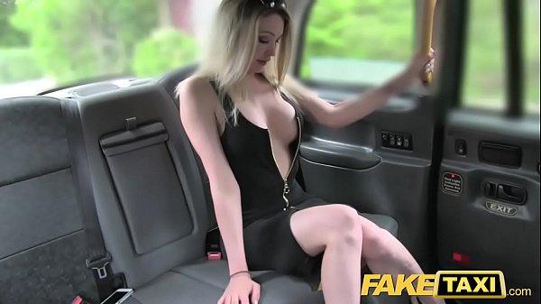 คลิปเด็ด แท๊กซี่ปลอมรับสาว สวยหุ่มอึ้ม นมโต อย่างขาว ขึ้นมาก่อนจอดรถจับเย็ดกลางป่า