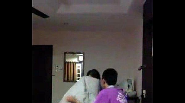 คลิปหลุดวัยรุ่นมัธยม โดนแฟนพามาเย็ดที่บ้าน โดนซ่อนกล้องแอบถ่ายตอนเย็ด ทั้งอมทั้งเลีย ขาวนมใหญ่ หุ่นดีมากๆ