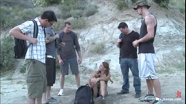 หนังโป๊ แกงค์วัยรุ่นพากันไปเข้าป่า 5หนุ่มกับ1สาว มอมเหล้าเพื่อนสาว แต่ยังไม่ทันเมาก็โดนรุมข่มขืน ช่วยกันจับอ้าแขนอ้าขาแล้วรุมเย็ด ทั้งปากทั้งหี โดนกระแทกพร้อมกันโครตสะใจ