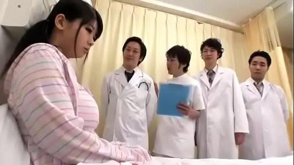 นักเรียนม.ปลายAv japan โดนหมอหื่นข่มขืนรุมเย็ด4ต่อ1 สาวอวบนมใหญ่โดนเย็ดบนเตียงตรวจ