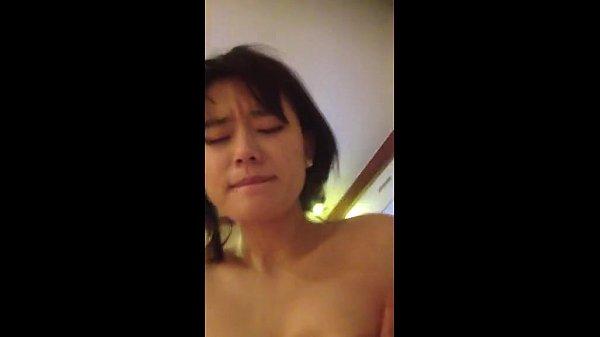 คลิปหลุด18+น้องโยชิสาวลูกครึ่งหน้าหวาน โดนแฟนตั้งกล้องจับเย็ดหุ่นXลีลาเด็ดร่อนเก่งเย็ดมัน