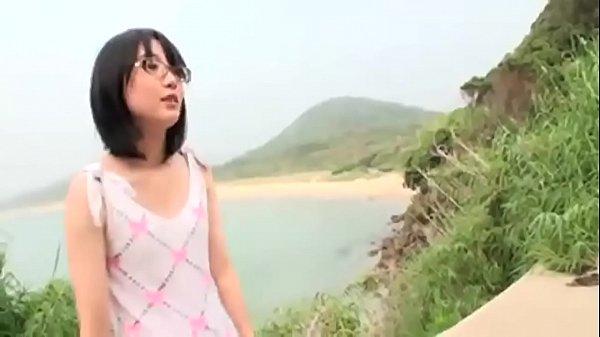 หนังโป๊ญี่ปุ่นสาวแว่นโดนแฟนพามาเย็ดน้องสถานที่ขาวสวยตัวเล็กโดนจับเย็ดที่ภูเขา