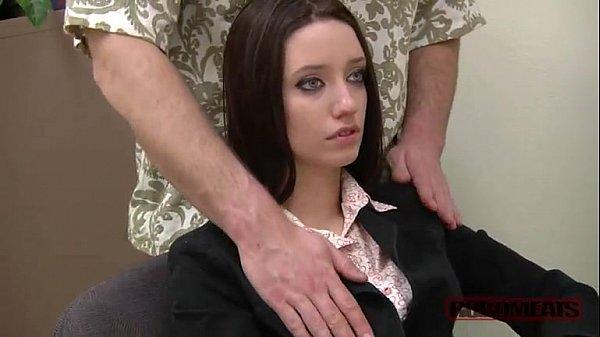 หนังXฝรั่งสาวออฟฟิตโดนลูกค้าวางยาสลบXXXจับถกกระโปรงเลียหีไม่มีหมอยเย็ดในห้องทำงาน