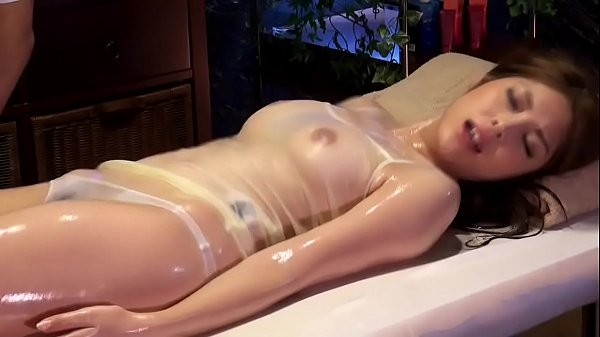 สปานวดXXXสาวใหญ่หนีผัวมาโดนหมอนวดหลอกเย็ด Porn japanเขี่ยติ่งจนเคลิ้มโดนจับเย็ดคาเตียงนวด