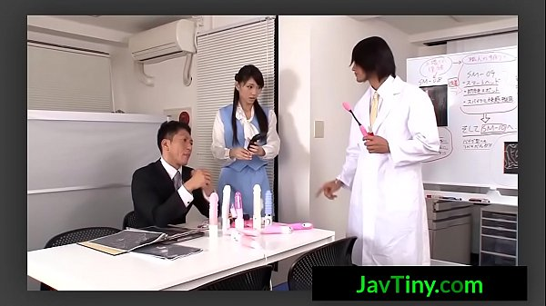 สาวออฟฟิตควง2หนุ่มสวิงกิ้งหนังโป๊ยี่ปุ่นเจอดิโด้ยัดหีถกกระโปรงเย็ดน้ำแตกคาปาก