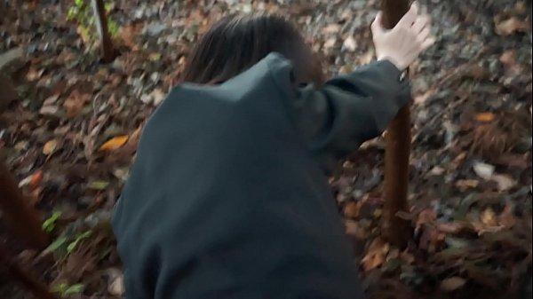 คลิปหลุดญี่ปุ่นนักเรียนม.ปลายแอบโดดเรียนมาให้ผัวเย็ดหลังป่า ถกกระโปรงซอยหีน้ำแตกในครู