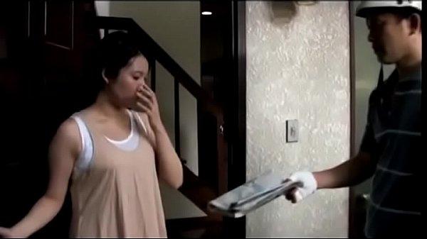 ผัวขี้เมากับชู้รักข้างห้องPorn japanสาวญี่ปุ่นโดนผัวขี้เมาทำร้ายเลยปันใจคบชู้เย็ดกับหนุ่มข้างบ้าน