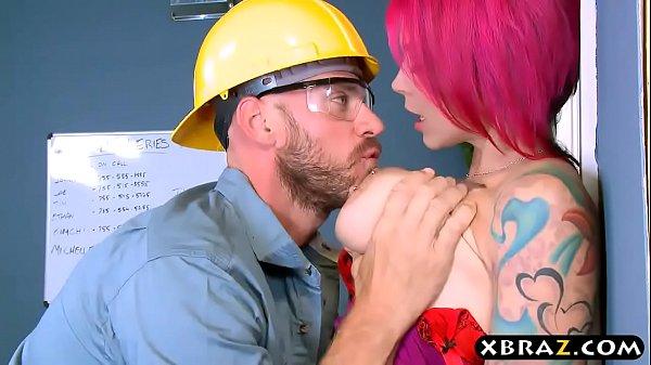 พบรักกับโฟแมนหนุ่มสาวสวยอกโตโดนจับเย็ดคาออฟฟิต เจาะหัวนมหีกะทินั่งขย่มควยXXX