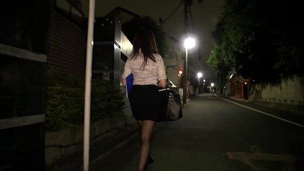 สาวออฟฟิตกับบ้านดึกโดนชายทั้งสามจับมาข่มขืนโดนจับมัดแล้วกระหน่ำเย็ดหี